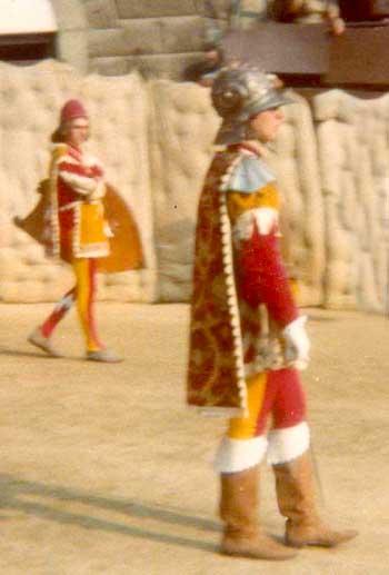 """Contrada di Val di Montone """"Duce"""" in alta uniforme."""